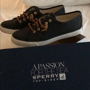 Seacoast black Sperry Top-Slider shoes